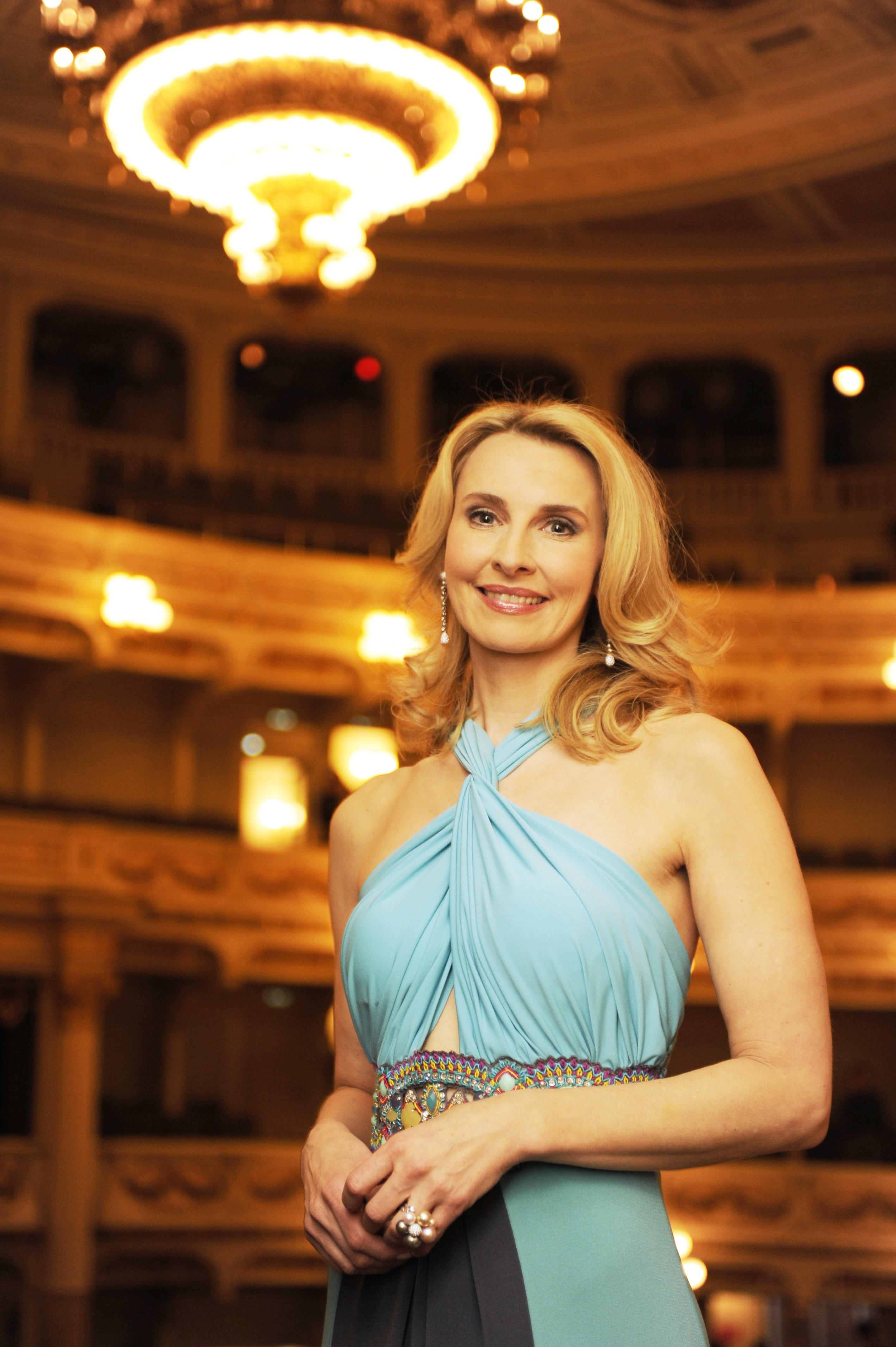 Eva Lind beim SemperOpernball in Dresden